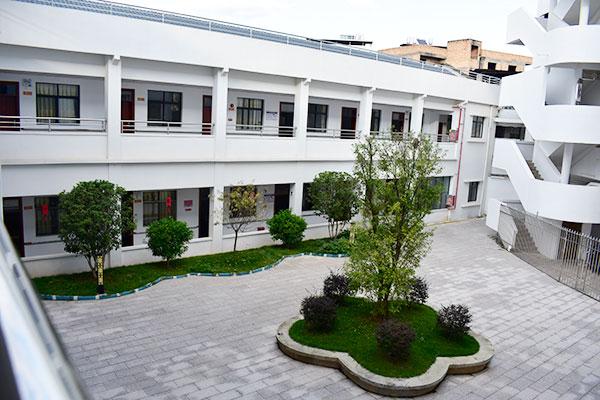 雷电竞备用网站雷电竞官网地址区颐福善养老院